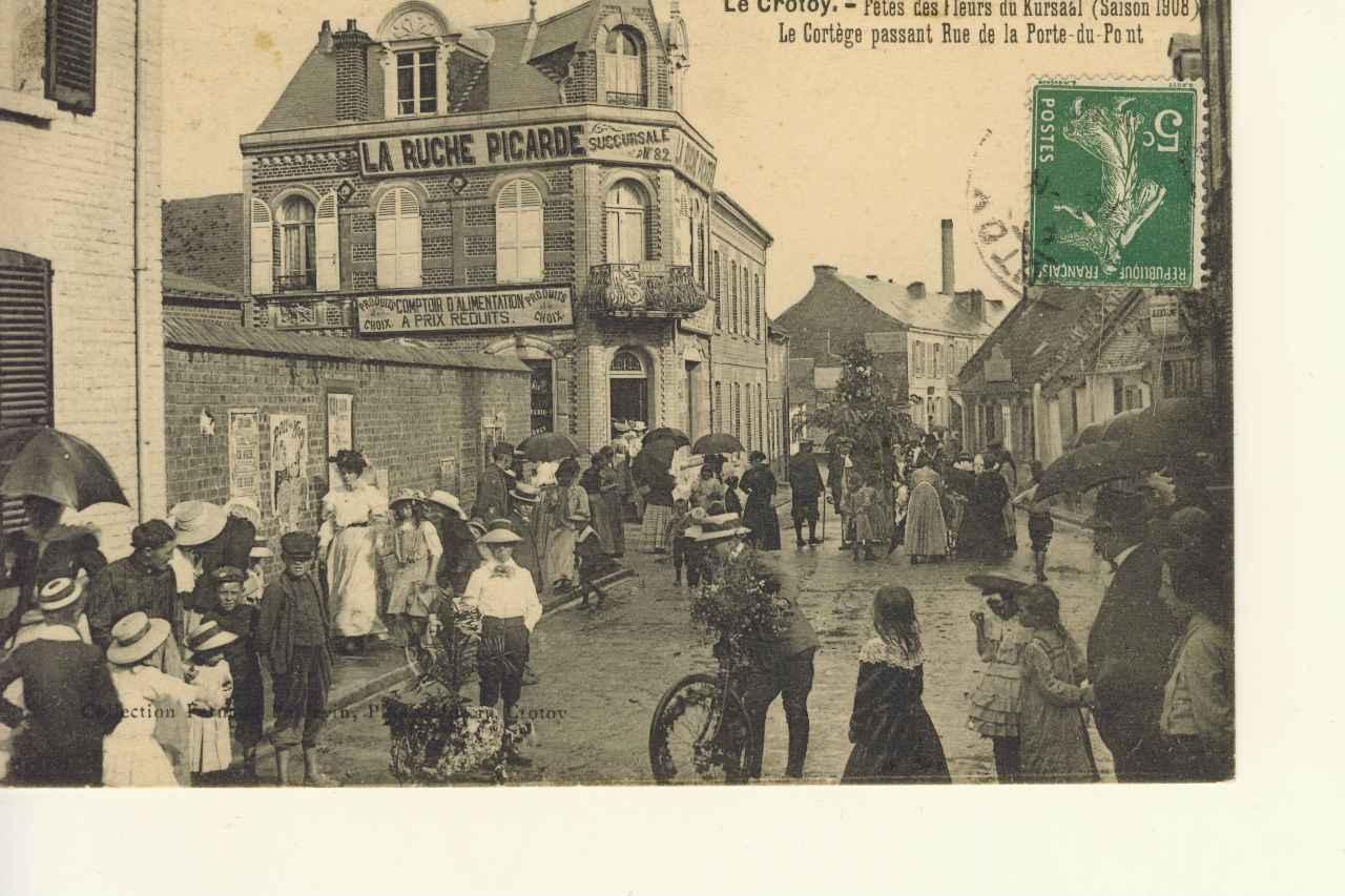 Carrefour rues Porte du Pont et Prison Jeanne d'Arc 1890