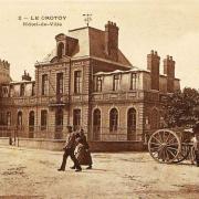 L'ancien Hôtel de ville, devenu l'Ecole des garçons.