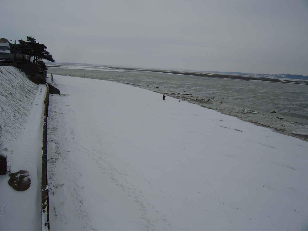 La plage du Crotoy enneigée février 2012