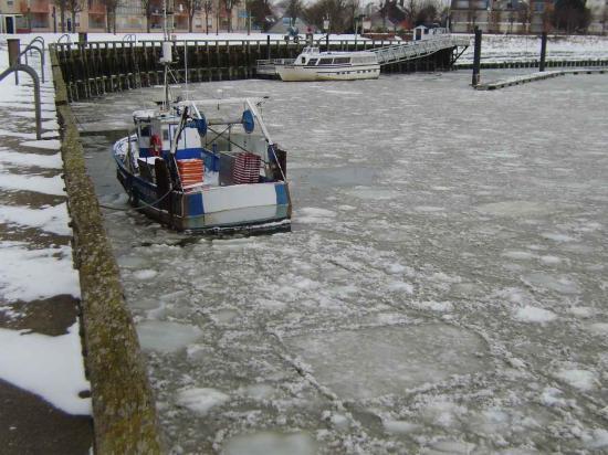 Le port pris par la glace février 2012